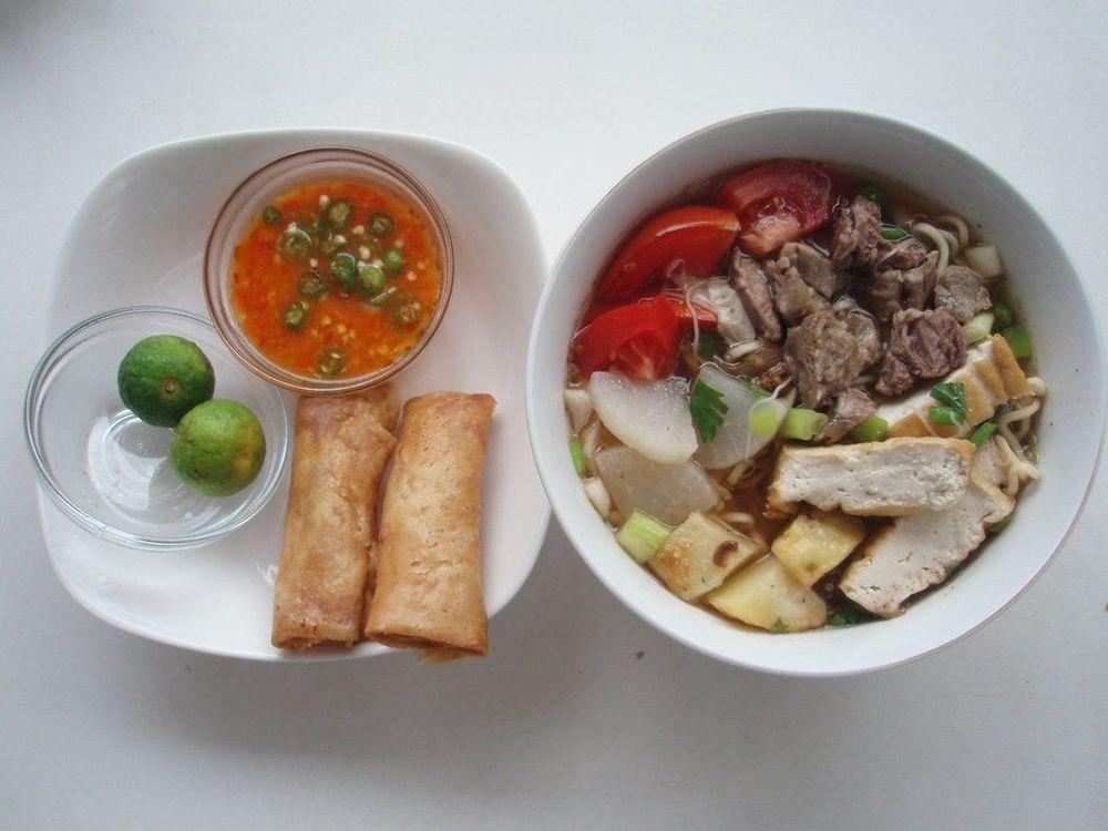 Soto Mie & Toge Goreng Mamaku