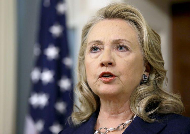 hillary clinton adalah istri dari mantan presiden AS, Bill Clinton