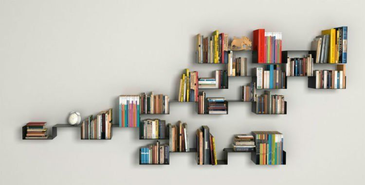 Bukan Bermaksud Sok Pintar Rak Buku Selayaknya Memang Harus Ada Di Ruang Tamu