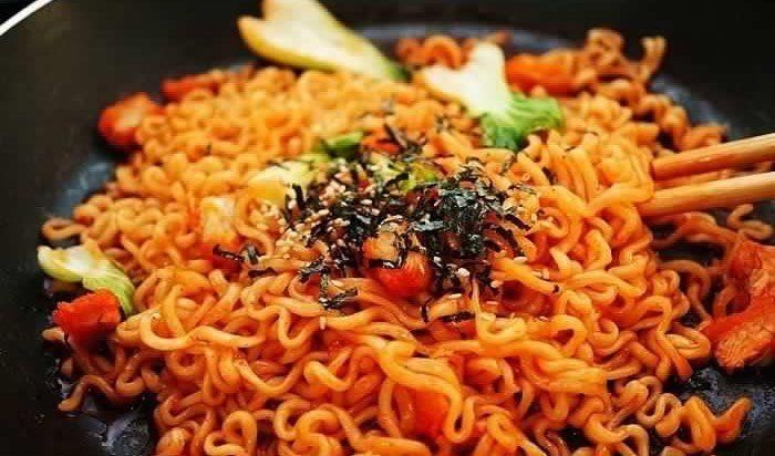 Samyang, Mie Instan Korea yang Pedasnya Kelewatan. Sampai Ada Samyang  Challenge yang Hits di Instagram!