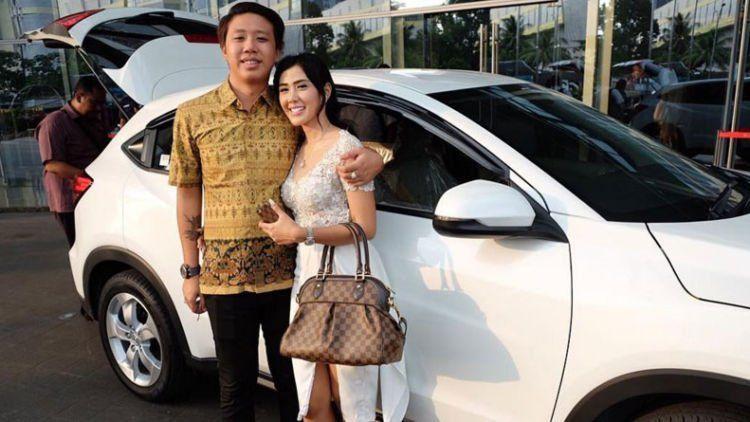 tinder di indonesia