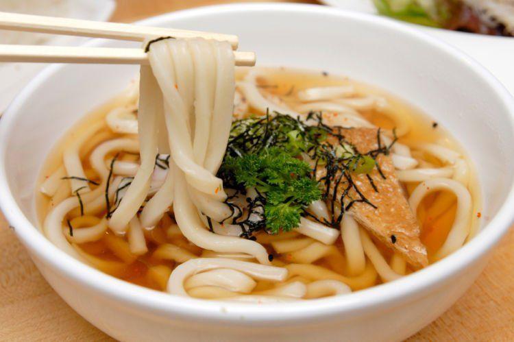 Udon - mie khas Jepang.