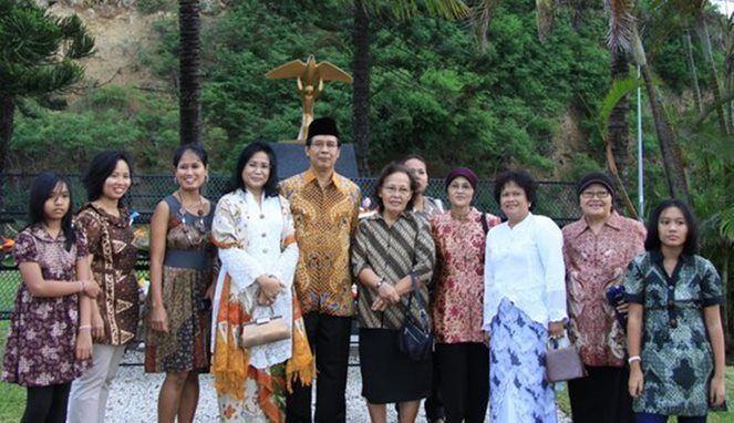 Bahasa Jawa sudah biasa di sana