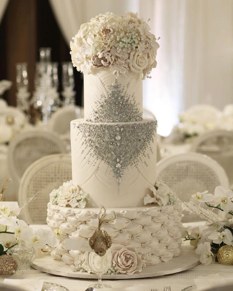 kue pernikahan sandra
