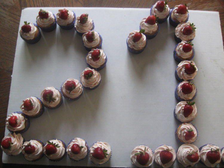 20 Makanan Pengganti Kue Tart Buat Kejutan Ulang Tahun