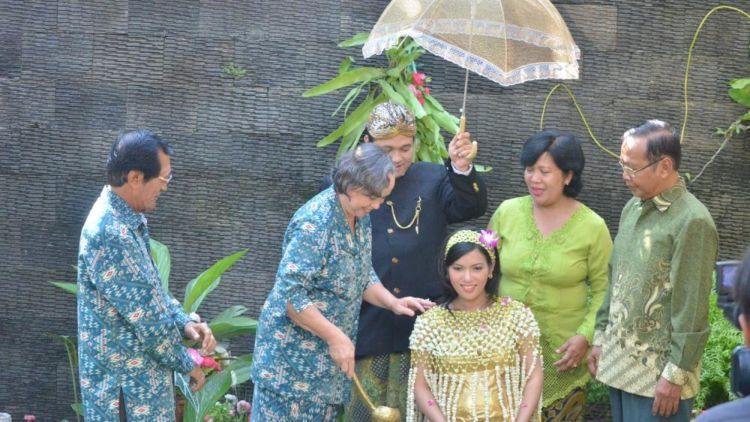 6 Prosesi Unik Tujuh Bulanan Atau Mitoni Ibu Hamil Orang Jawa Mana Suaranya