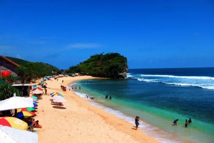 ini pantai Indrayanti di Gunungkidul
