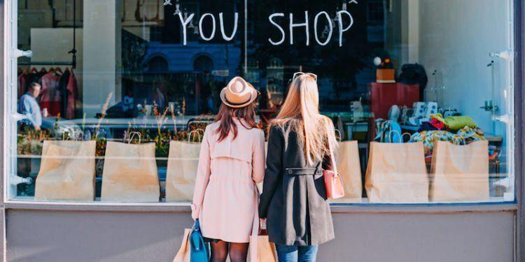 Shopping tergolong kebutuhan yang terjadwal.