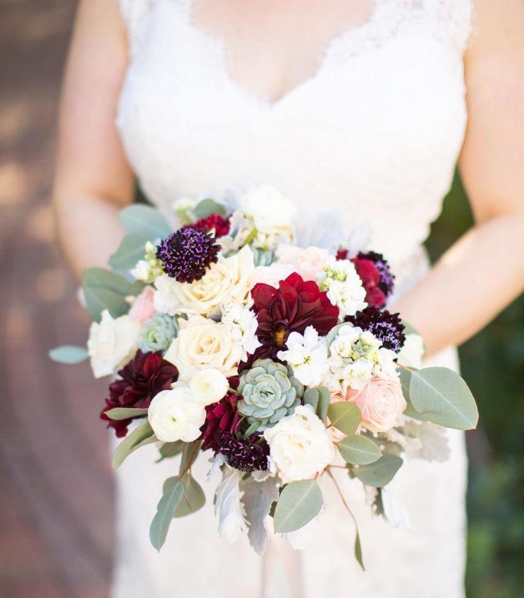 15 Pilihan Buket Bunga Yang Akan Permanis Momen Pernikahan Kamu Nanti