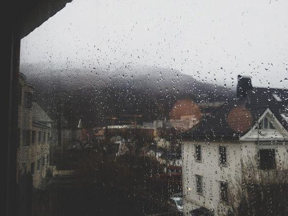 Badai pasti berlalu, tapi entah kapannya