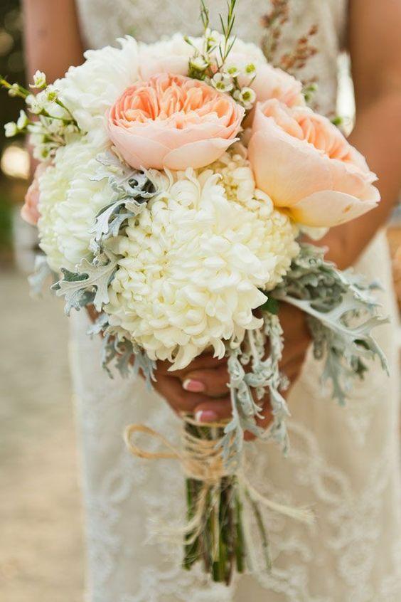 bunga seruni putih yang dicampur mawar pink
