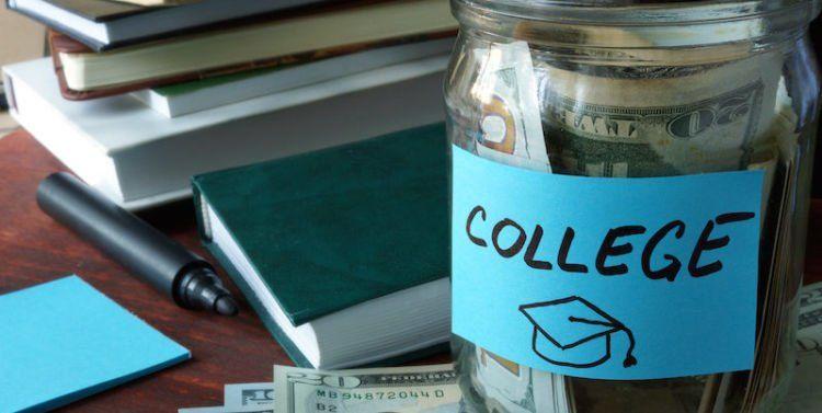 Dana untuk daftar beasiswa.