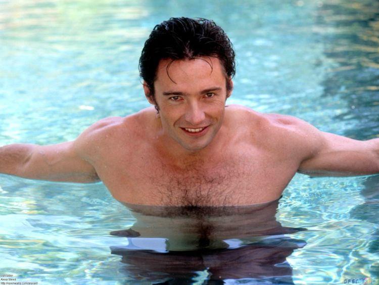 hugh_jackman_in_the_pool_1600x1200