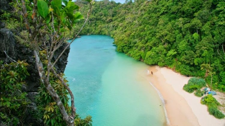 5 Pantai Yang Wajib Dikunjuni Di Malang