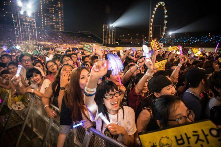 fans Singapura