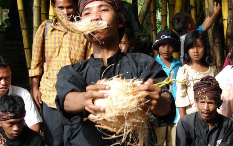 Akrab dengan warga Banten