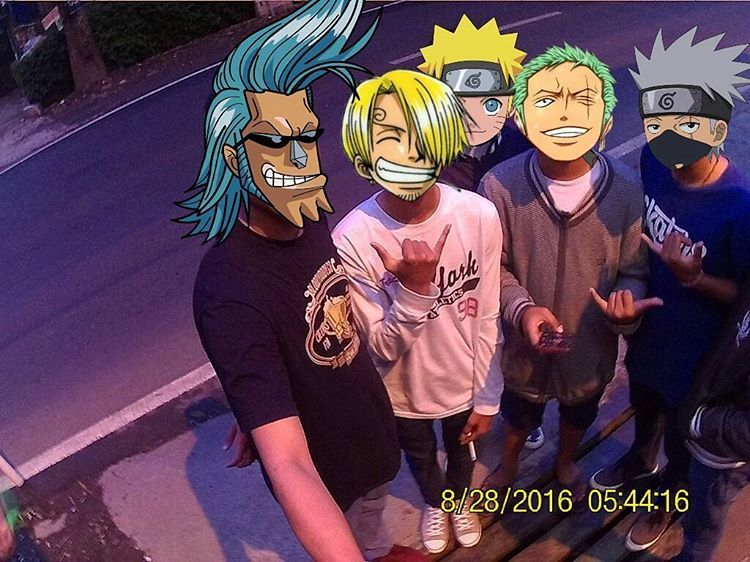 One piece lagi hangout sama Naruto