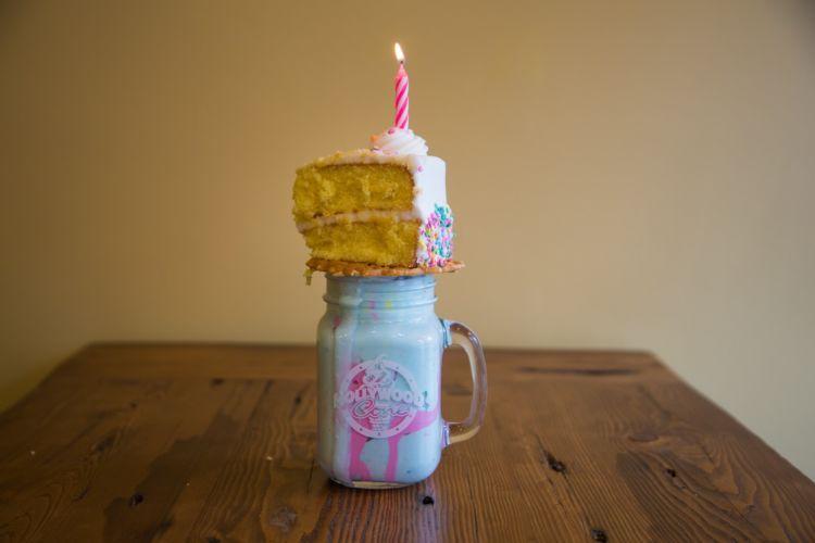 milkshake ditumpuk cake
