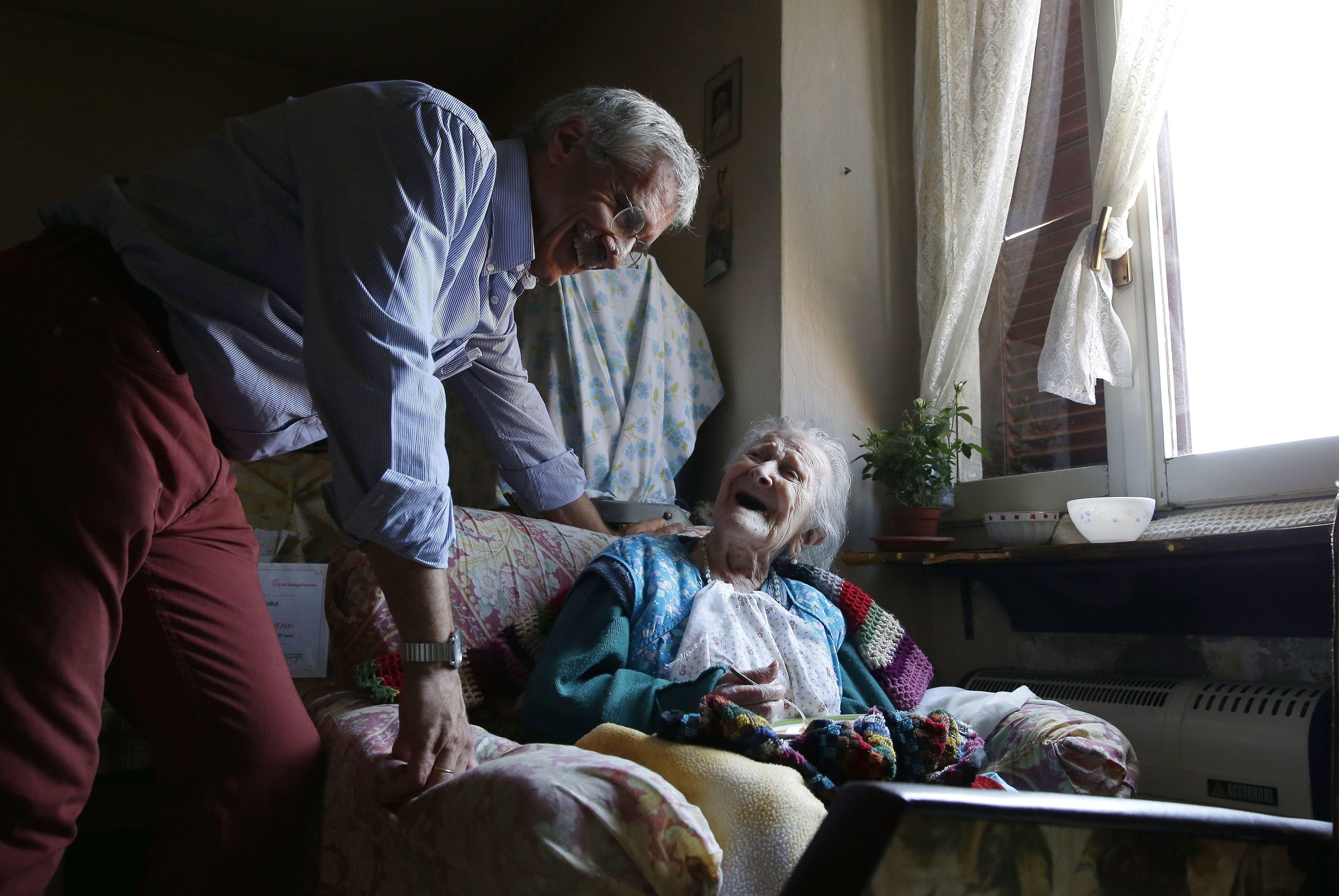 Dia disakiti suami dan memilih hidup sendiri