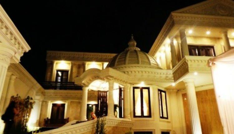 Rumah mewah Anang