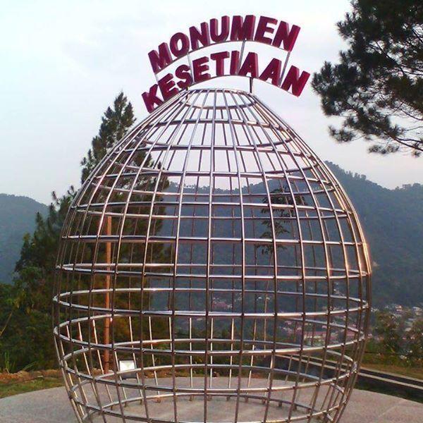 kenalan dulu, ini namanya Monumen Kesetiaan
