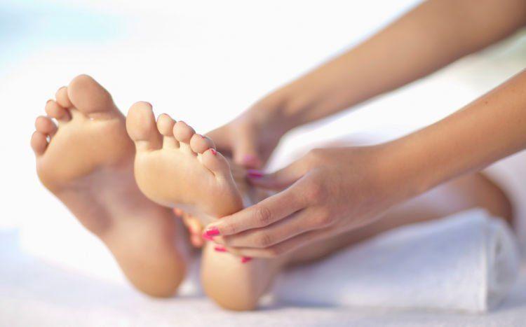 oleskan di kaki untuk meredakan batuk