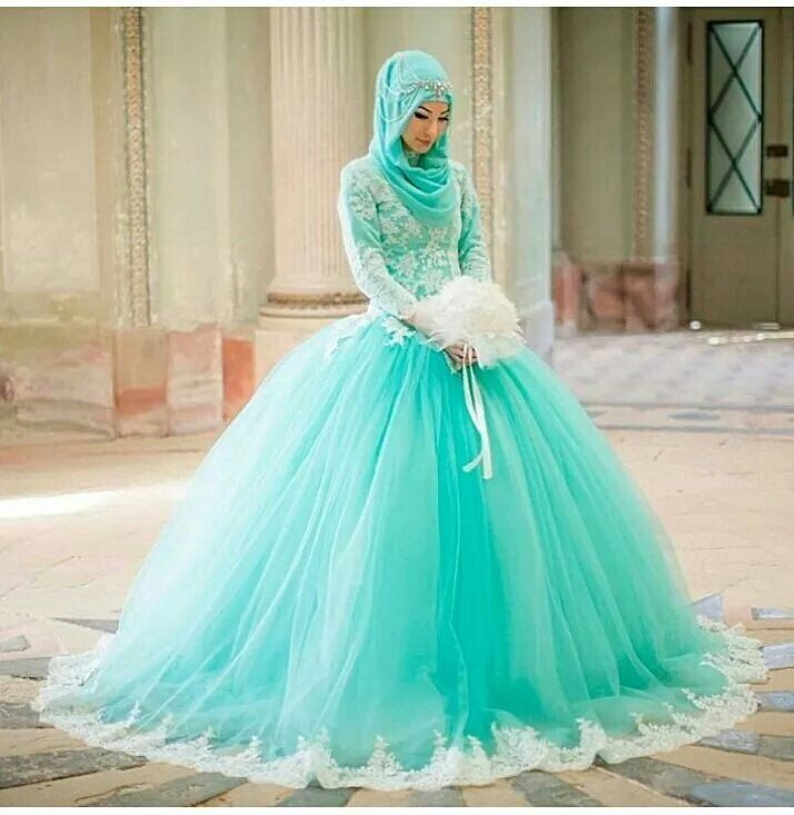 Gaun Pernikahan Hijab Bertema Turquoise