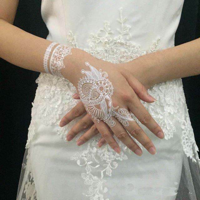 Gambar Henna Tangan Warna Putih Modelemasterbaru