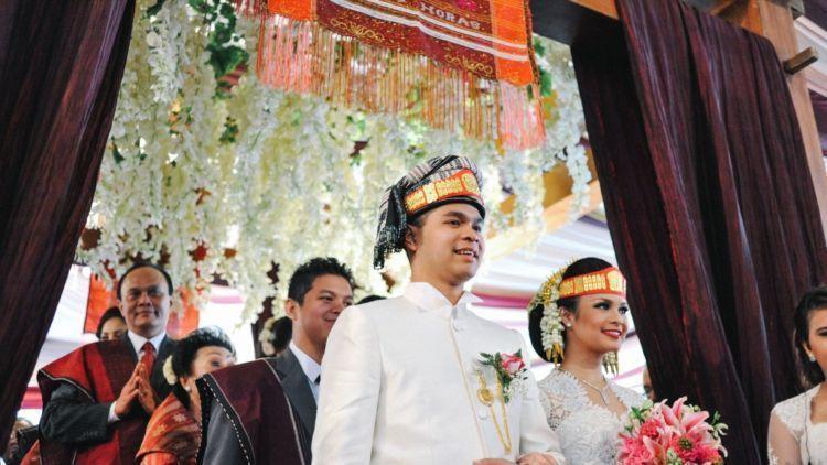 Mengenal Tradisi Membayar Uang Sinamot Budaya Mahar Pernikahan Adat