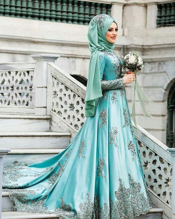 12 Gaun Pernikahan Hijab Bertema Turquoise Untuk Datangkan Kesan
