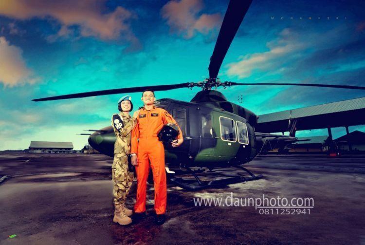11 Foto Prewedding Lucu Tema Profesi Dokter Polisi Tentara Semua