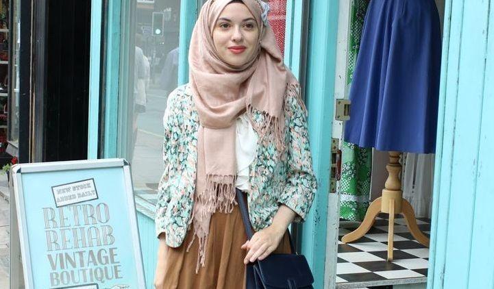 Menuju Cantik 2017 Trik Padu Padan Hijab Baju Vintage Ini Harus
