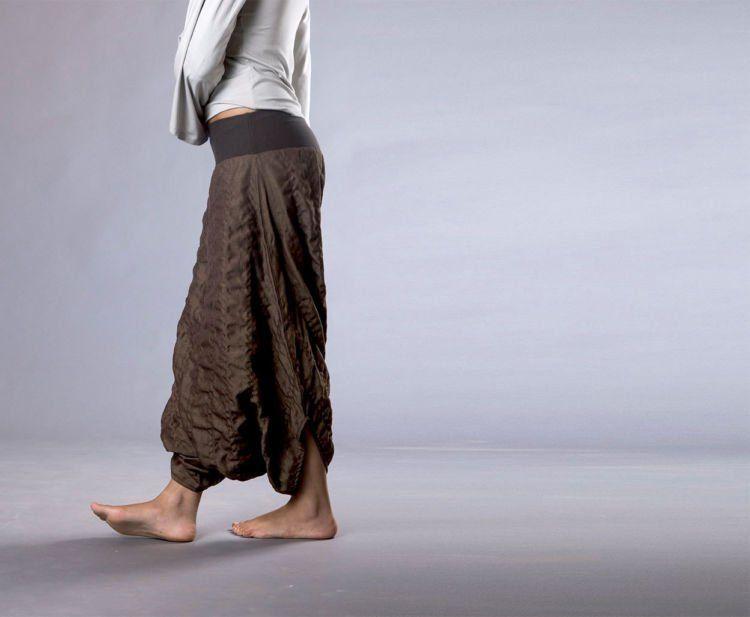 pakai celana longgar