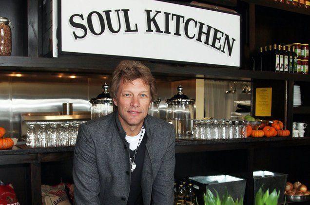 Nama restorannya Soul Kitchen.