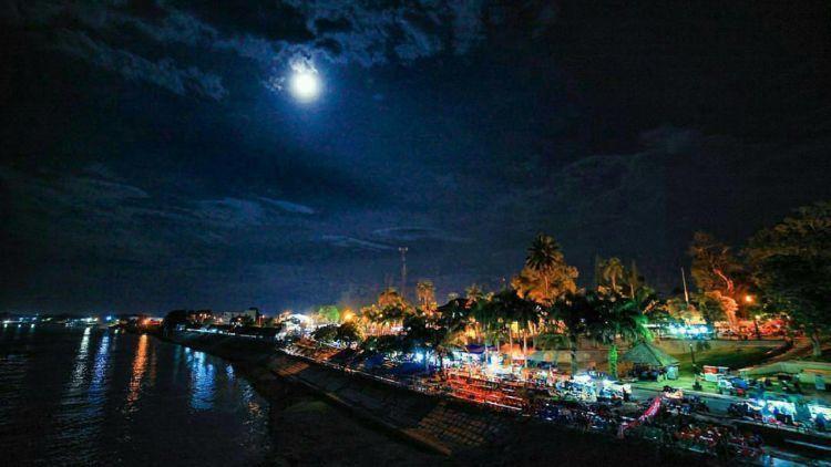 Tanggo Rajo Jambi Kawasan Yang Indah Di Kala Malam