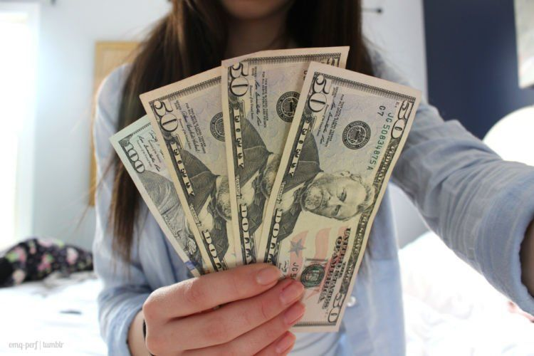 Gaji kecil, ternyata tabungan dollar
