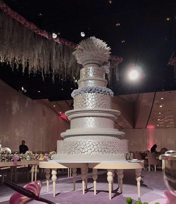 cake super besar
