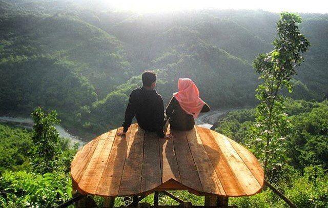 Romantis itu kalo cuma