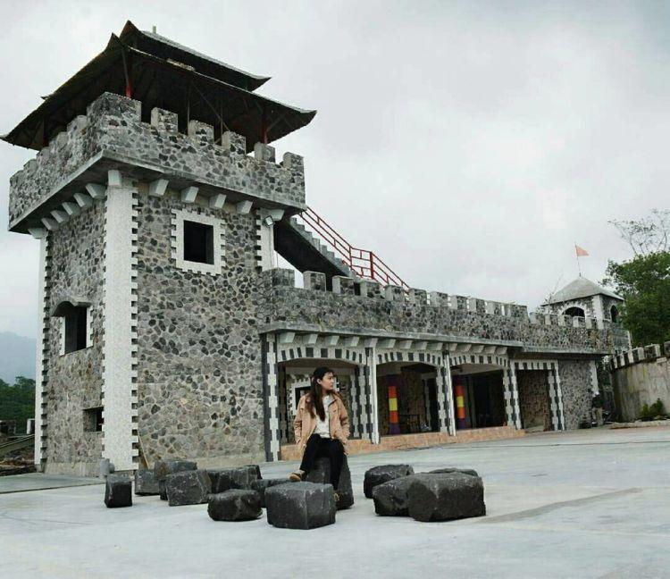 kaya benteng takeshi