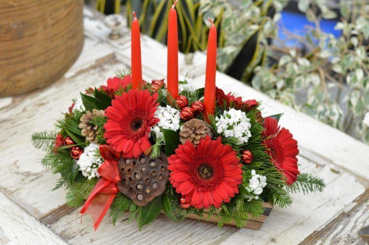 paduan bungan dan lilin