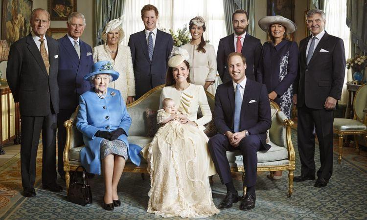 Keluarga kerajaan menyambut kelahiran putra mahkota