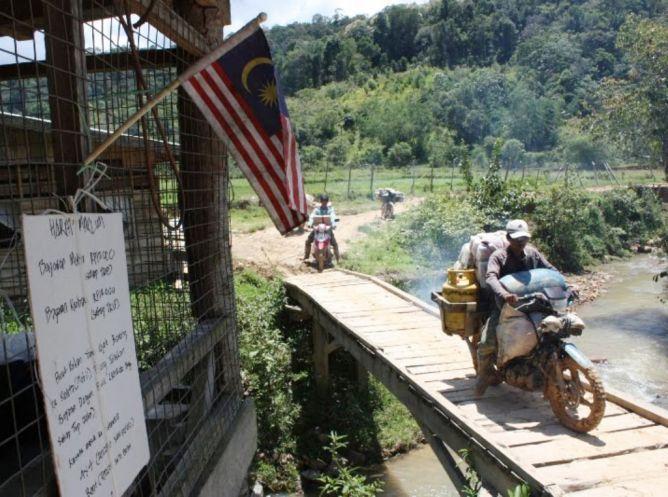 warga belanja di Malaysia