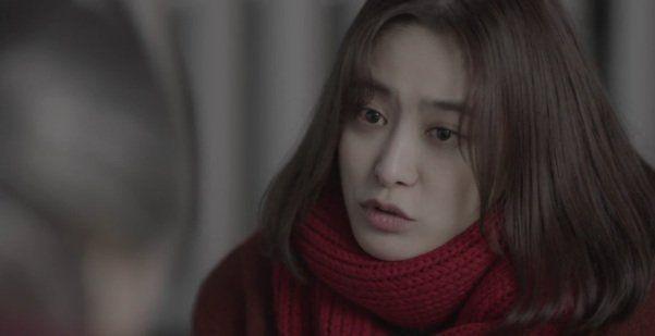 Ibu Ji-Eun Tak yang meminta bantuan pada 'dewa'