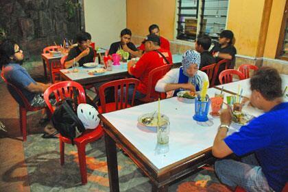 Rumah makan Padang di Jogja
