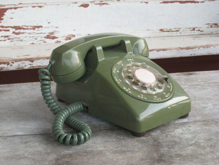 Dulu nomor telepon teman sekelas bisa dihafal