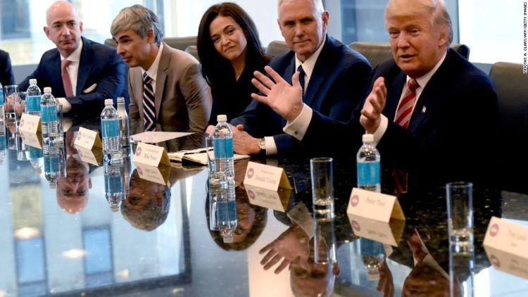 Ini saat Trump bertemu petinggi Silicon Valley pada Desember 2016 silam