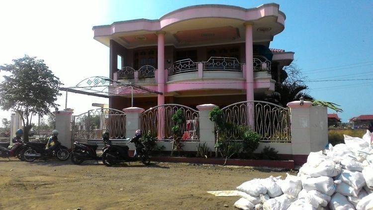 Rumah salah satu pemilik warteg di Jakarta
