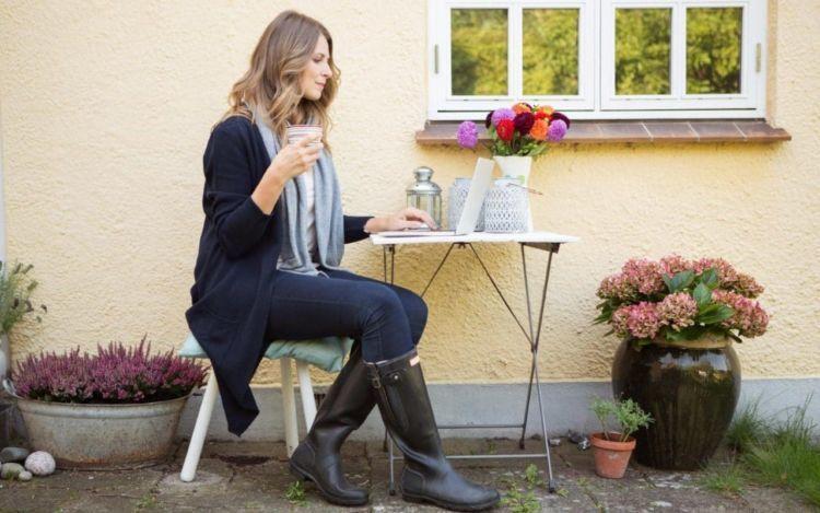 Dengan jam kerja yang fleksibel, pegawai di Inggris bisa kerja di mana aja