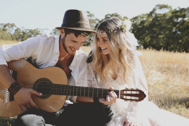 Kamu dan gitar
