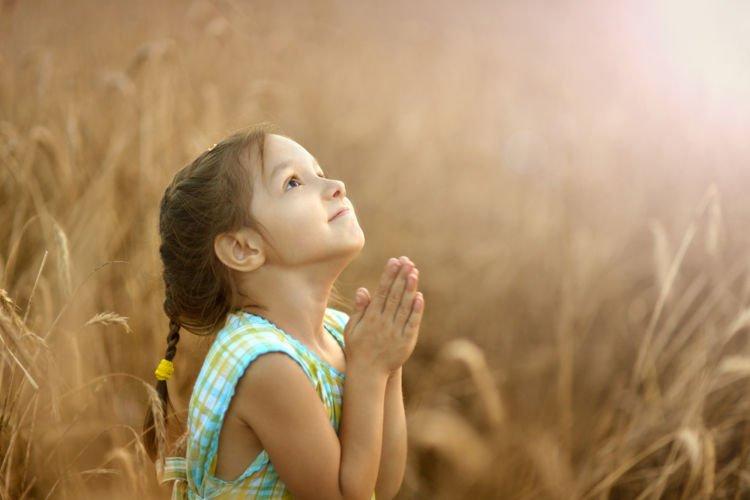 101-6-tips-mengajari-balita-berdoa